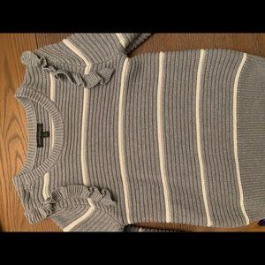 Banana Republic gray ruffle sleeve sweater